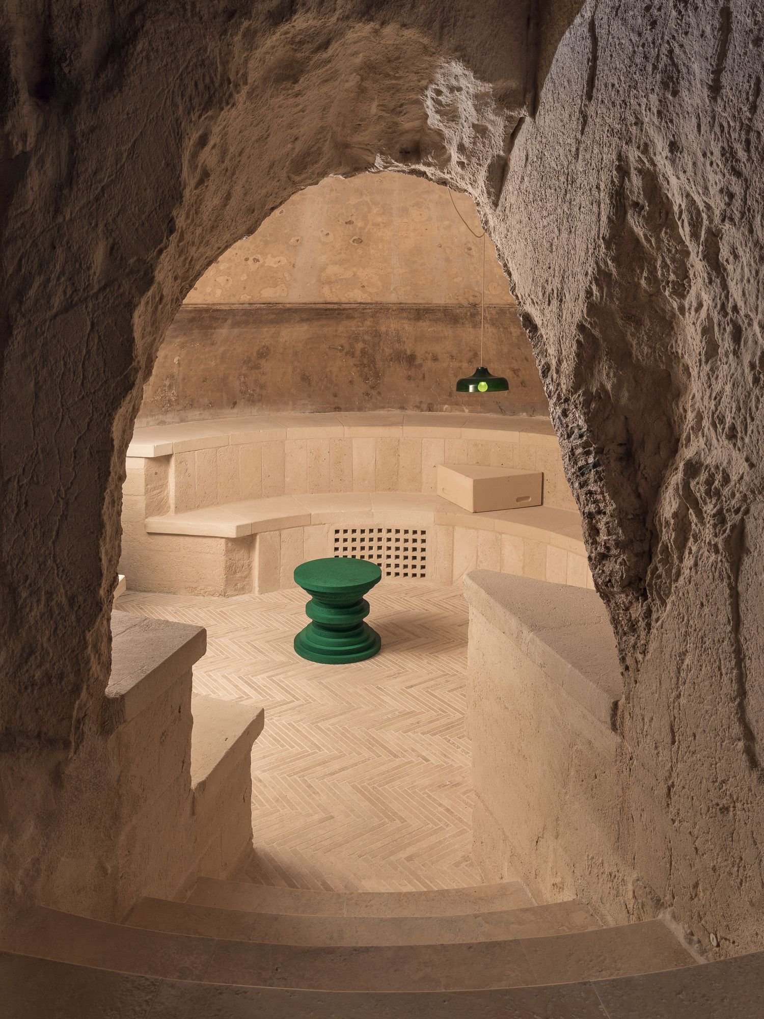 Elegant Underground Winery in Southern Italy (7 pics)