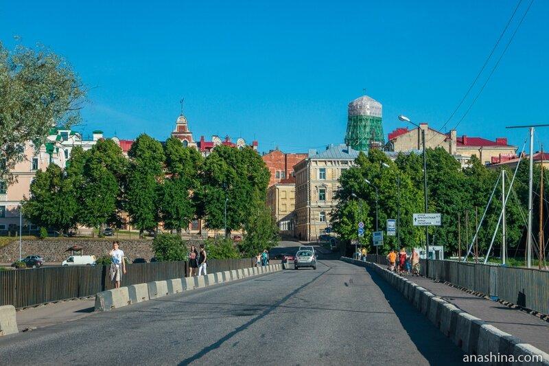 Вид в сторону исторического центра Выборга