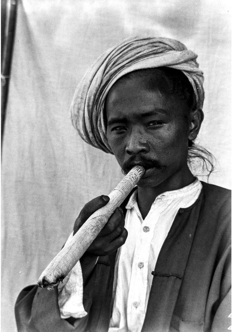 990. Портрет мужчины с сигарой