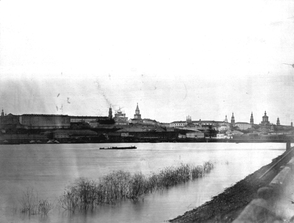 1880-е. Вид на кремль с дамбы