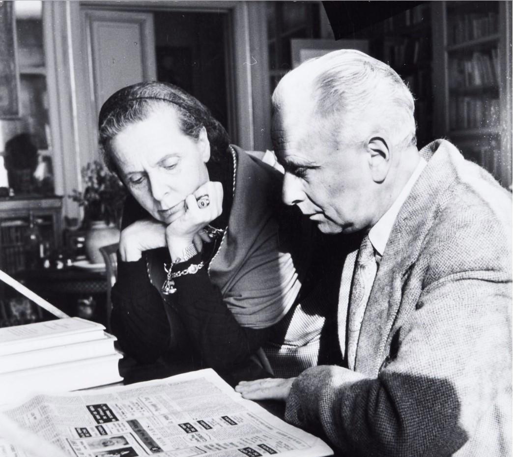 1954. Эльза Триоле и Луи Арагон. Париж