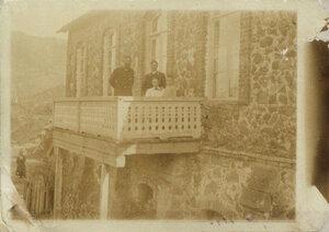 1900. Маяковский с родителями и А.С. Дреером. Багдади