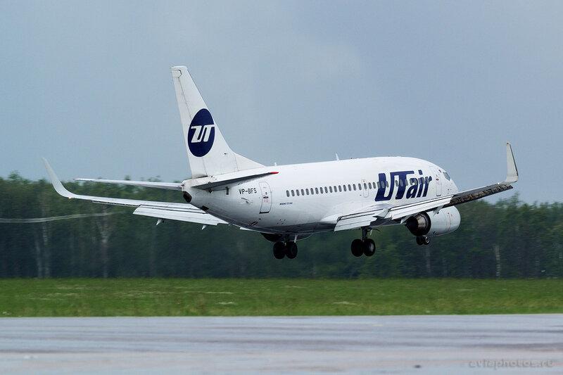Boeing 737-524 (VP-BFS) ЮТэйр 147_D801744
