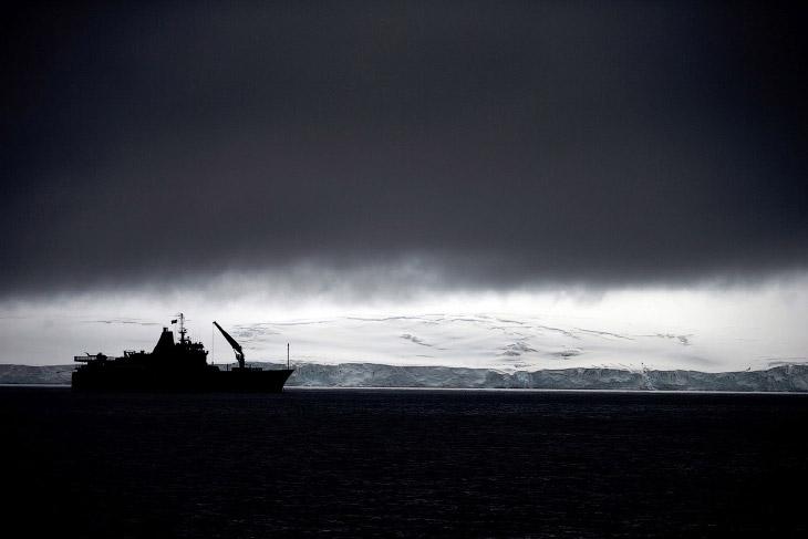 1. Ученые на острове Десе?пшен, который входит в архипелаг Южных Шетландских островов, 24 январ