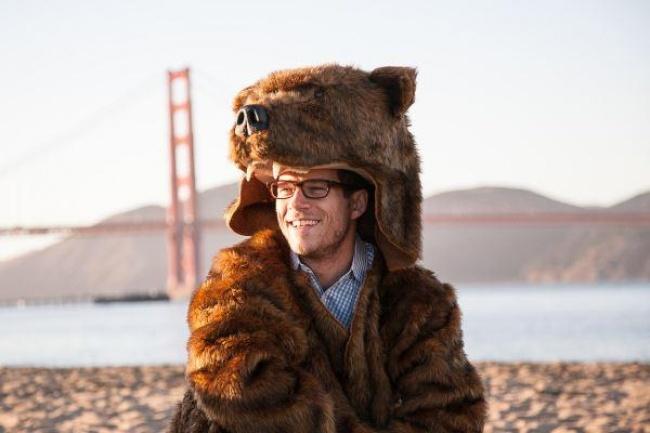 © grizcoat  Костюм гризли , состоящий изискусственной шубы, шапки ввиде головы медведя ивар