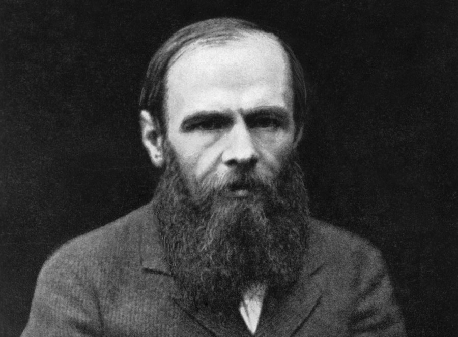 6. Первый роман Достоевского «Бедные люди» был написан в 1845 году и опубликован Некрасовым в «Петер