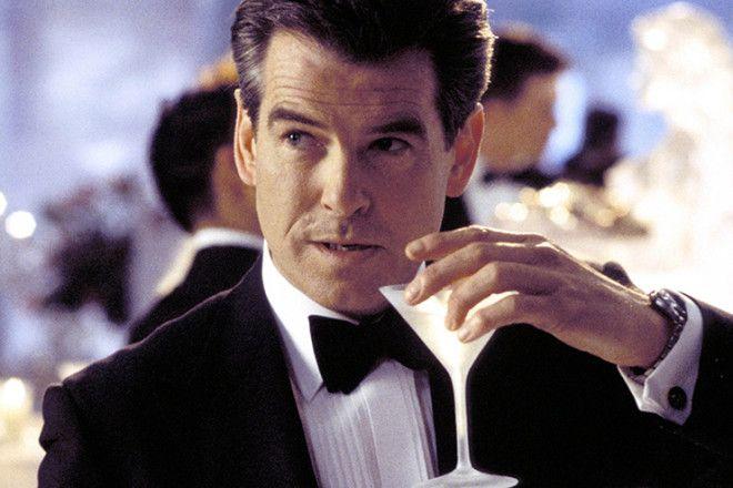 Коктейль, конечно, весьма неслабый, и в женском характере агента 007 не упрекнешь, но и постоянством