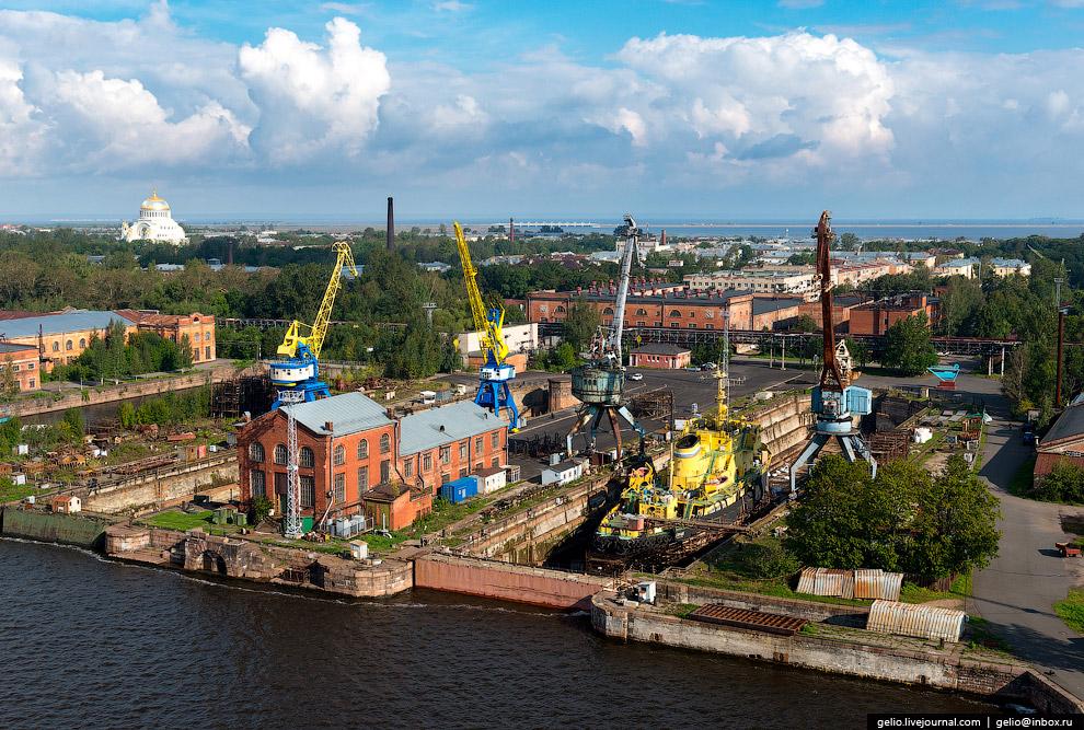 33. Торжественное открытие Морского завода состоялось 3 (15) марта 1858 года в присутствии император