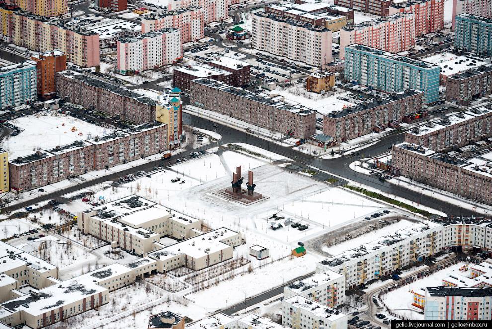 21. Улица Дружбы народов.  Имеет неофициальное название «Армянский проспект»: в ходе строительс