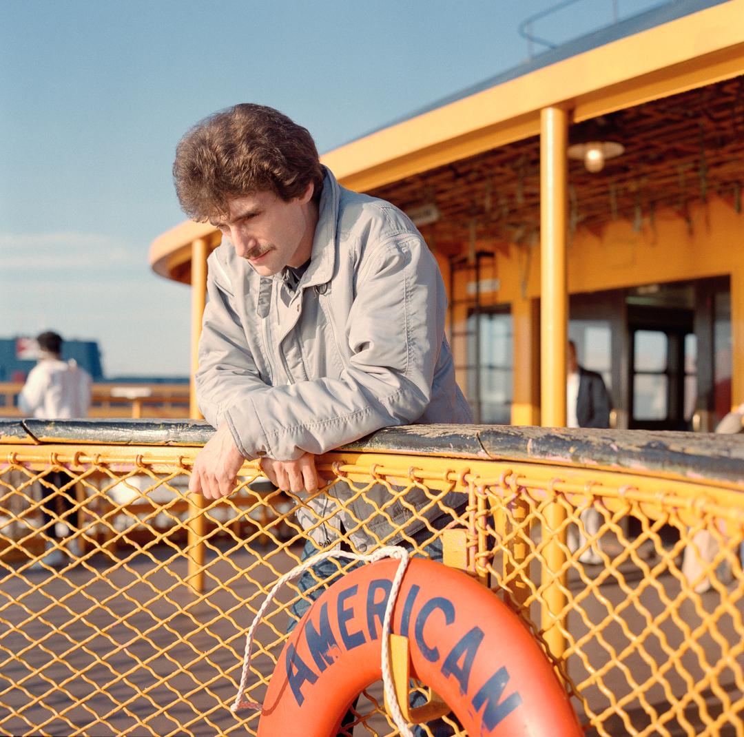 Американец на пароме на Стейтен-Айленд, 1985