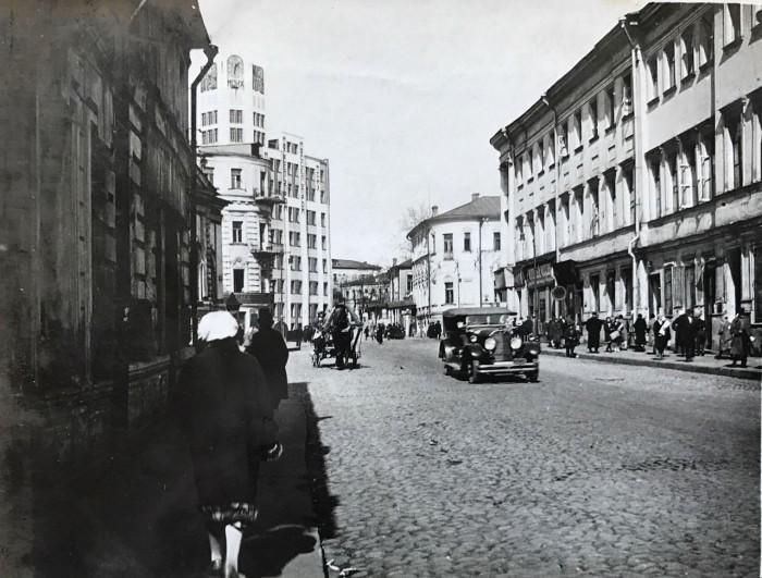 Проходит от Большого Кисловского переулка до Воздвиженки. СССР, Москва, 1920-е годы.   1