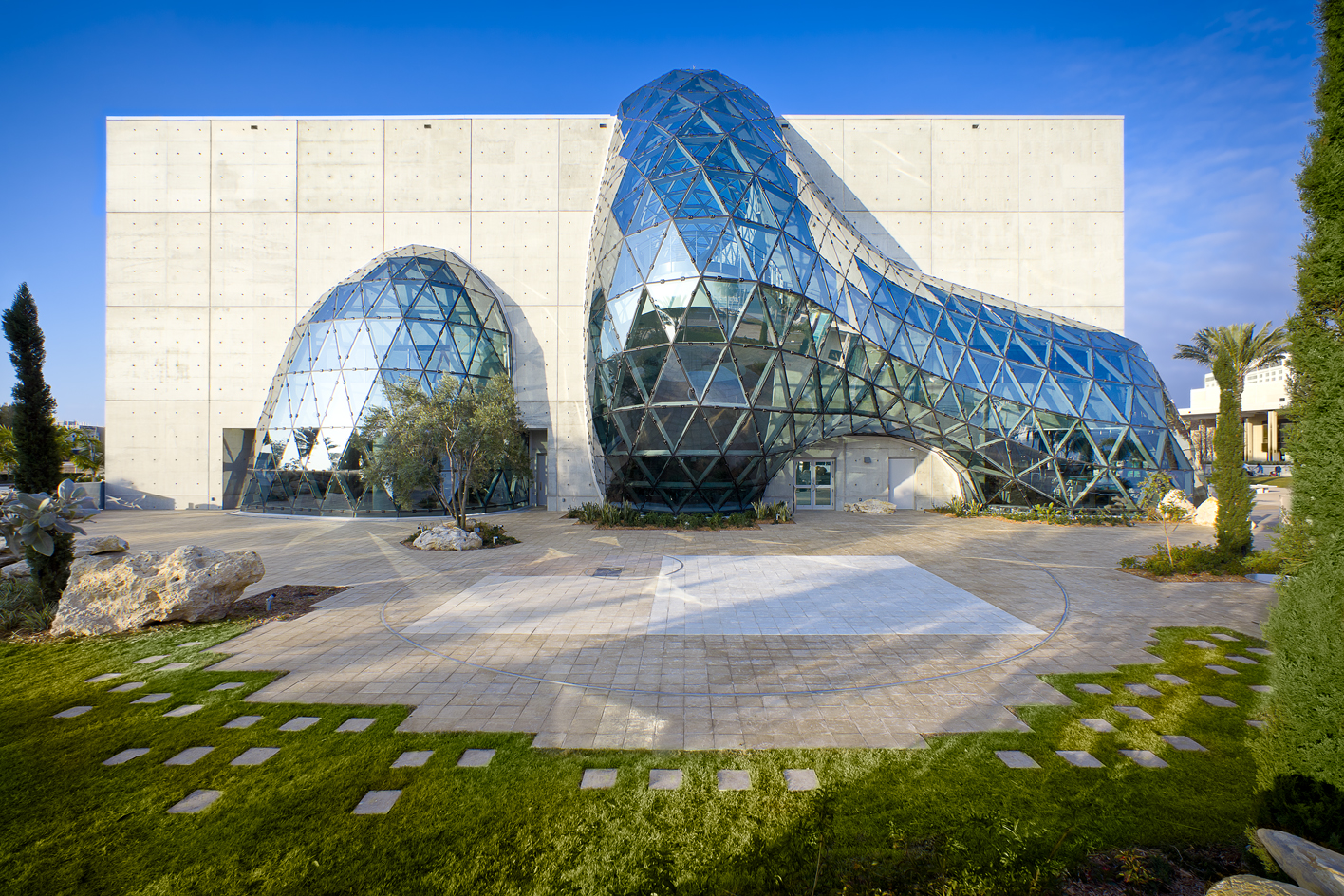 Beautiful Salvador Dali Museum in Florida by HOK (8 pics)