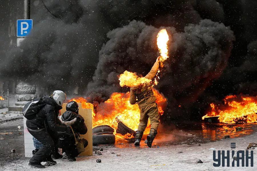 Горит. Майдан.jpg