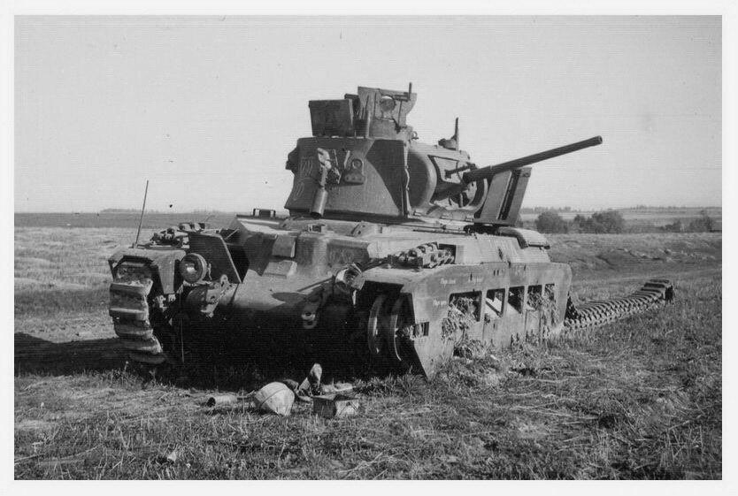 "Подбитый танк Mk.II ""Матильда""."