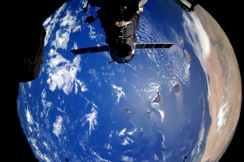 Фото из Космоса - пролетая над Землей