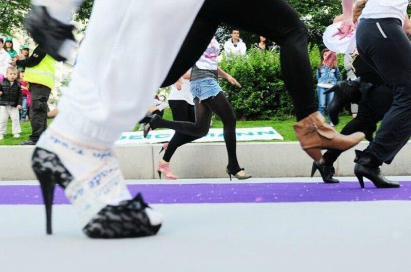 Парни на каблуках (фото): с этого всё начинается, а потом ты превращаешься в девушку!