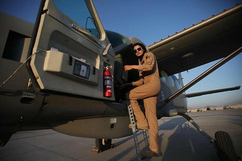 Афганская женщина летчик Нилуфар Рахмани: «Мужчины отказываются летать со мной»