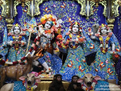 011 Sri Sri Radha-Gopinath  Lalita Vishakha 1400x1050