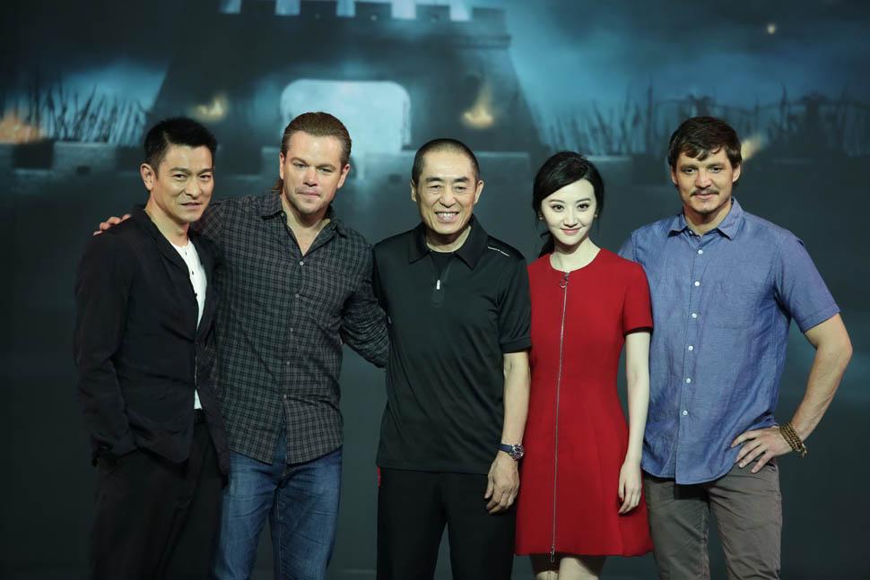 Знаменитый китайский режиссер Чжан Имоу знает толк в эпических постановках, но «Великая стена» – кол