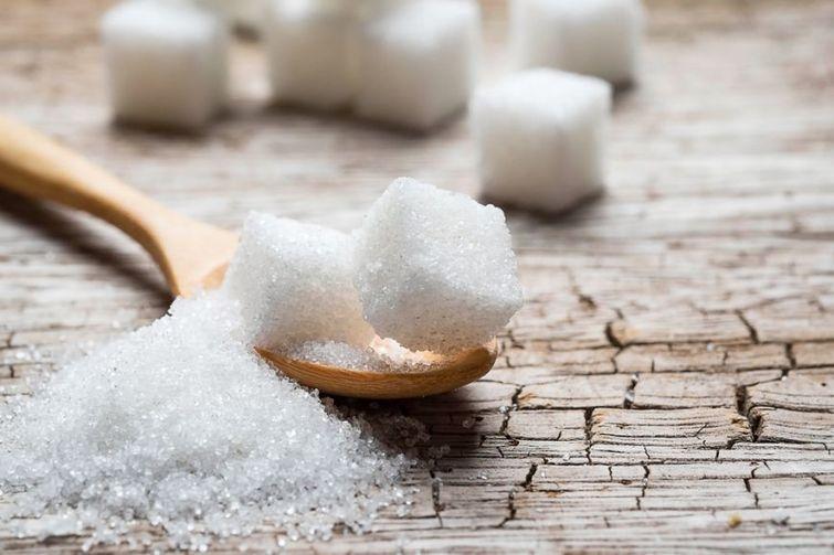 1. Сократите потребление сахара Сахар едва ли можно отнести к категории полезных продуктов. Если вы