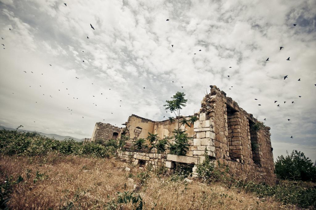 Азербайджан. Агдам когда-то являлся домом для 150 тыс. человек. Город был основан в середине XVI