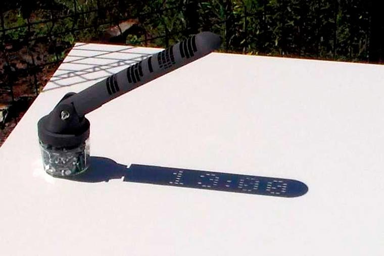 This 3D printed sundial displays the time with digital numbers!