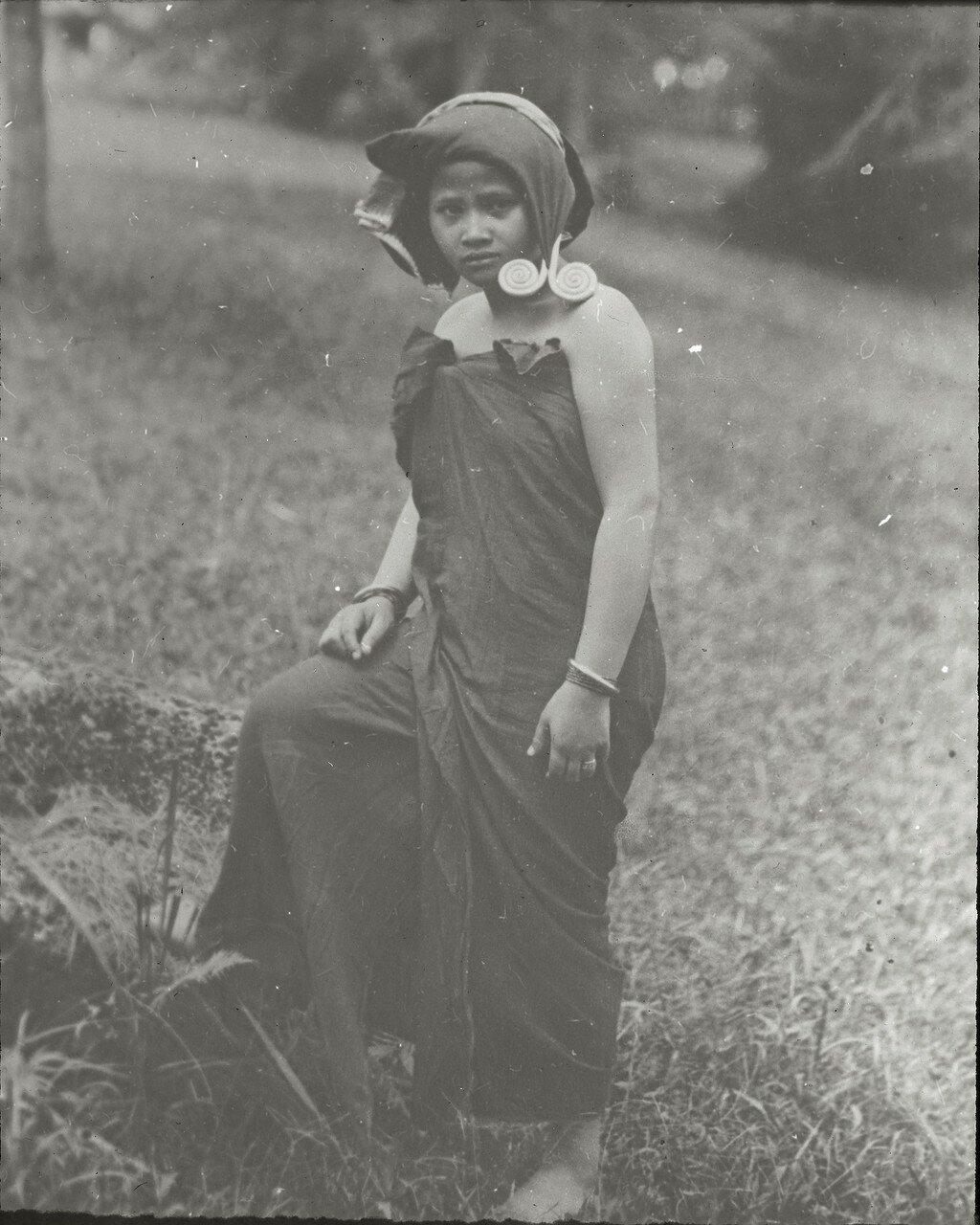 Девушка народности каро