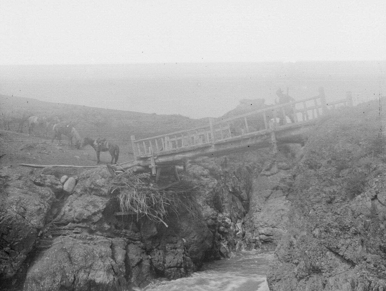 Окрестности Жыргалана. Мост через реку