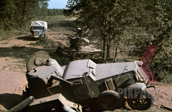 stock-photo-captured-russian-ba10-soviet-armoured-car-and-t26-panzer-tank-lutsk-juli-1941-94-infantry-division-trucks-11895.jpg