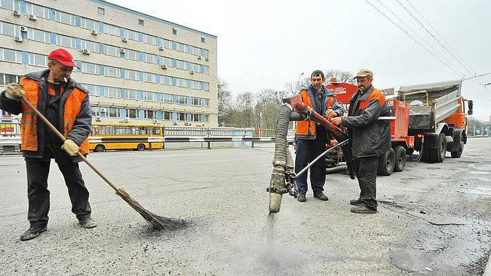 В четверг будет ограничено движение на Днепровском спуске в Киеве