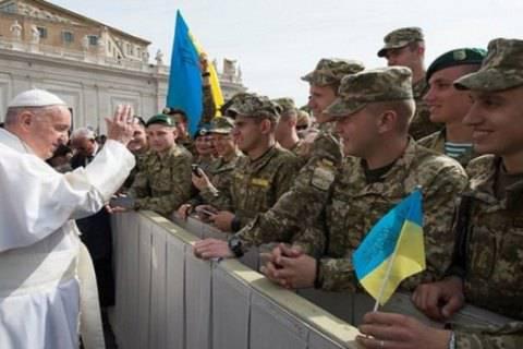 Папа Римский Франциск собрал 8 млн евро для пострадавших в зоне АТО