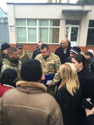 Правосекторівці заступаются за комбата Пушкаря