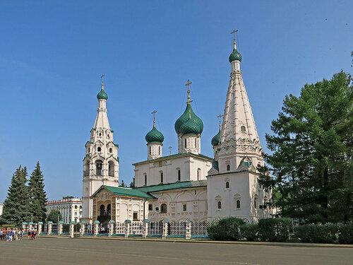 Ильинская церковь. Вид с площади