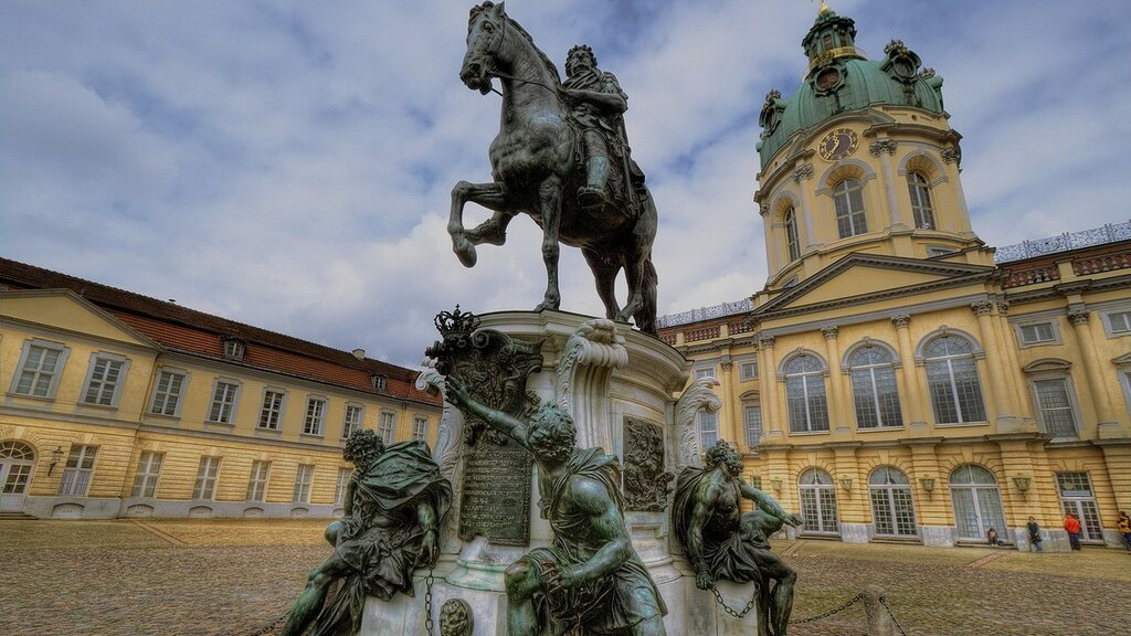 www.GetBg.net_World___Germany_Charlottenburg_Palace_in_Berlin_058500_.jpg