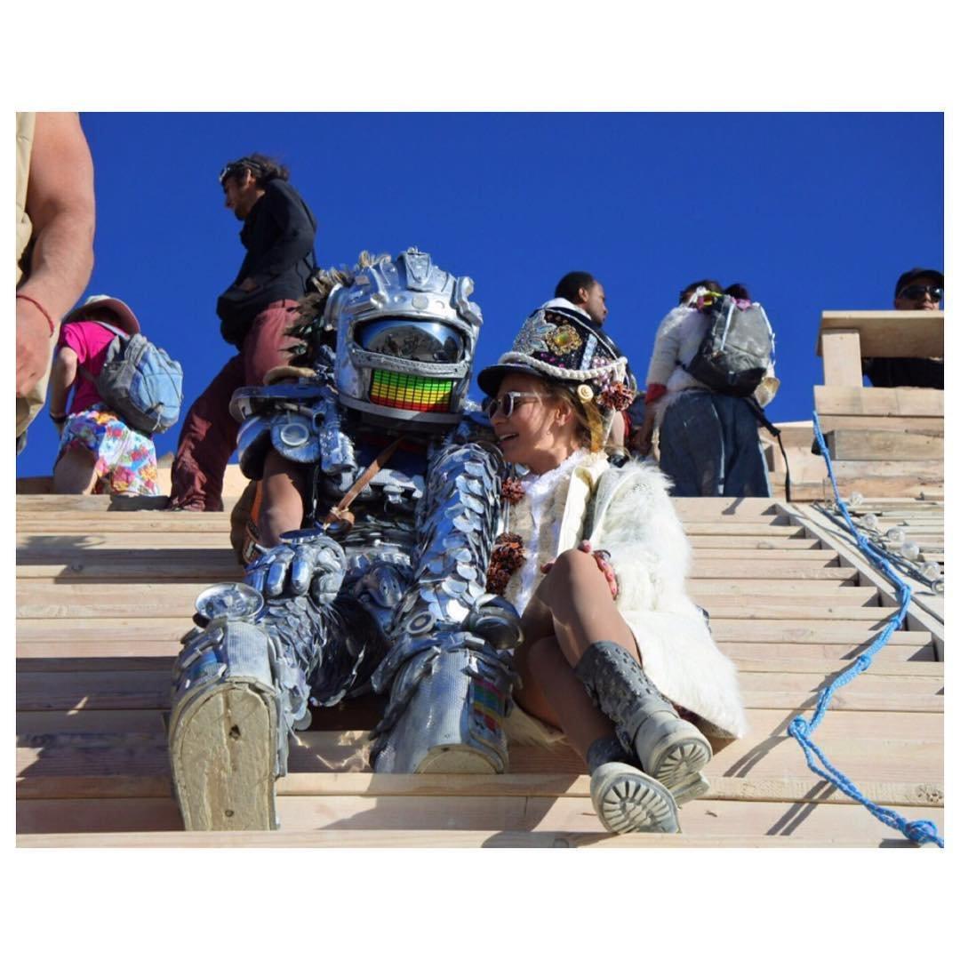 «Burning Man» («горящий человек»)— ежегодное восьмидневное событие, происходящее в США, штате Невад