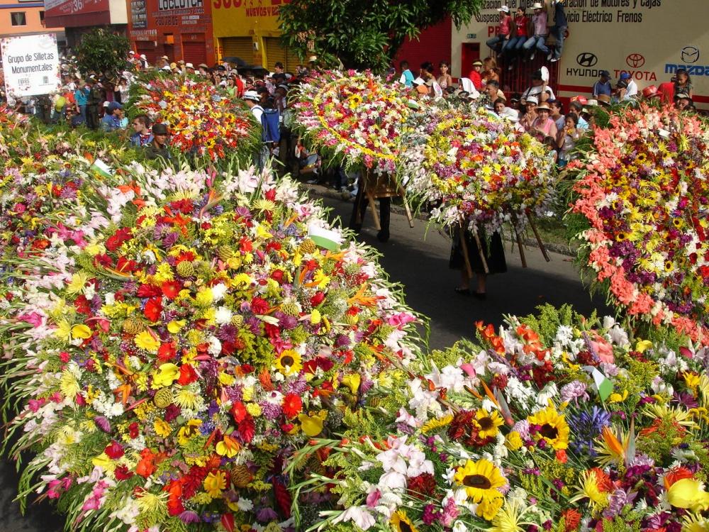 Колумбийский фестиваль цветов считается одним изкрасивейших вмире. Впервые онпрошел в1957году,