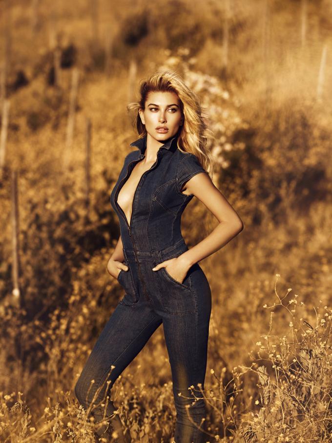 Хейли Болдуин в рекламе Guess