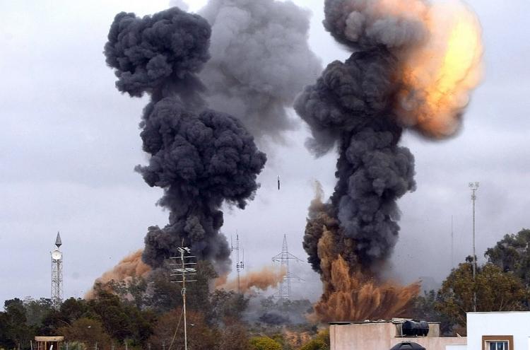 При взрыве 2-х  авто  вливийском Сирте погибли восемь человек
