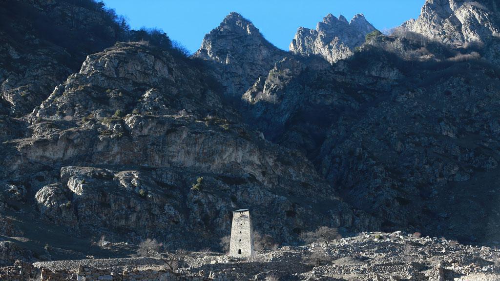 Cотрудники экстренных служб отыскали тело альпиниста изГермании, погибшего вгорах КБР 5июля