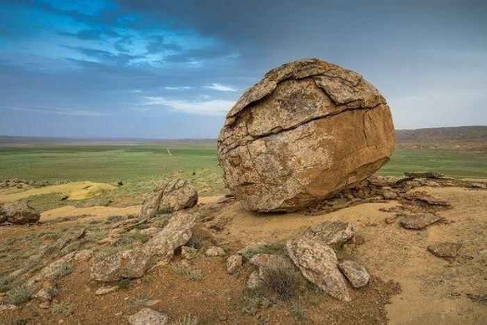 Долина колобков в Казахстане