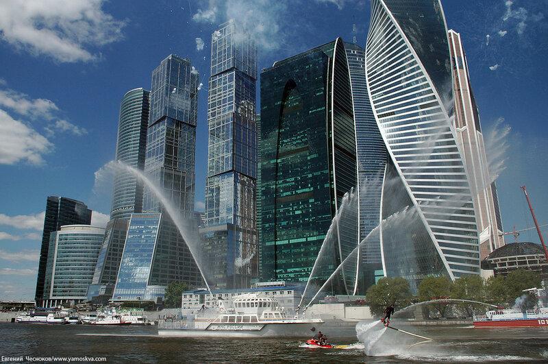Лето. Москва Сити. МЧС. вода. 14.06.16.08..jpg