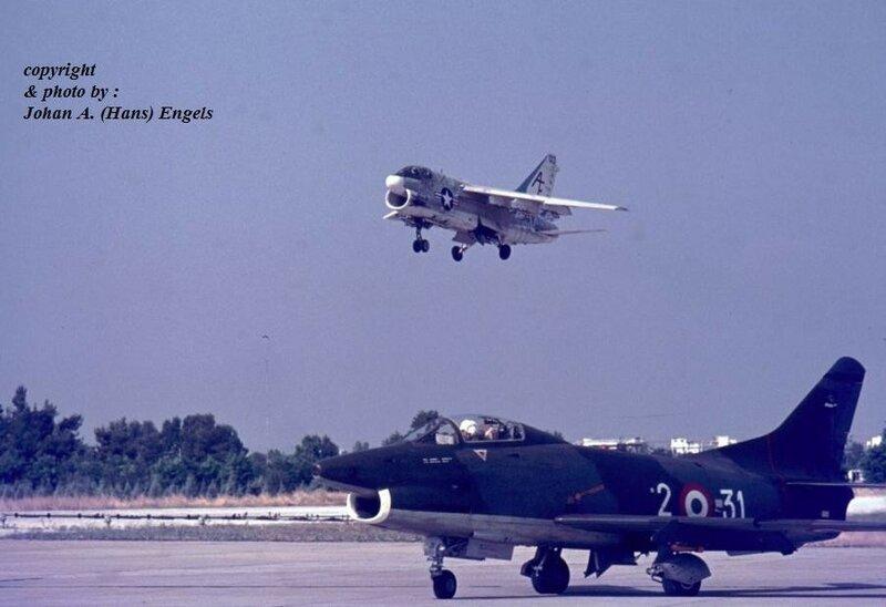 g91r-2-31-ital-lm-a-7-corsair-ii-usn-in-de-landing-larissa-7-1972-j-a-engels.jpg