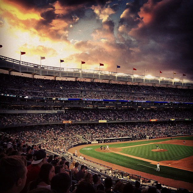красивые закаты на бейсбольных стадионах / baseball park sunset - new york, yankee stadium
