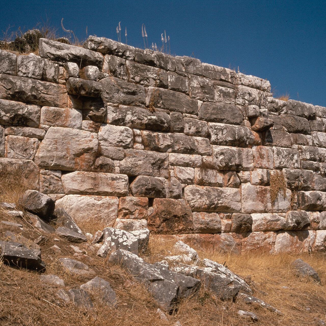 Рамнус. Каменная крепостная стена. IV в. до н.э.