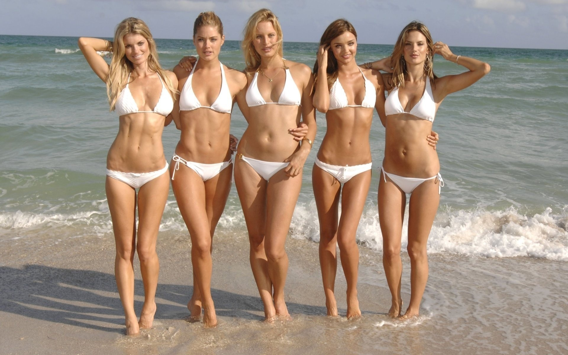 Крым девушки на пляже 3