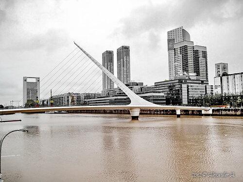 Puente de la Mujer / Мост Женщины