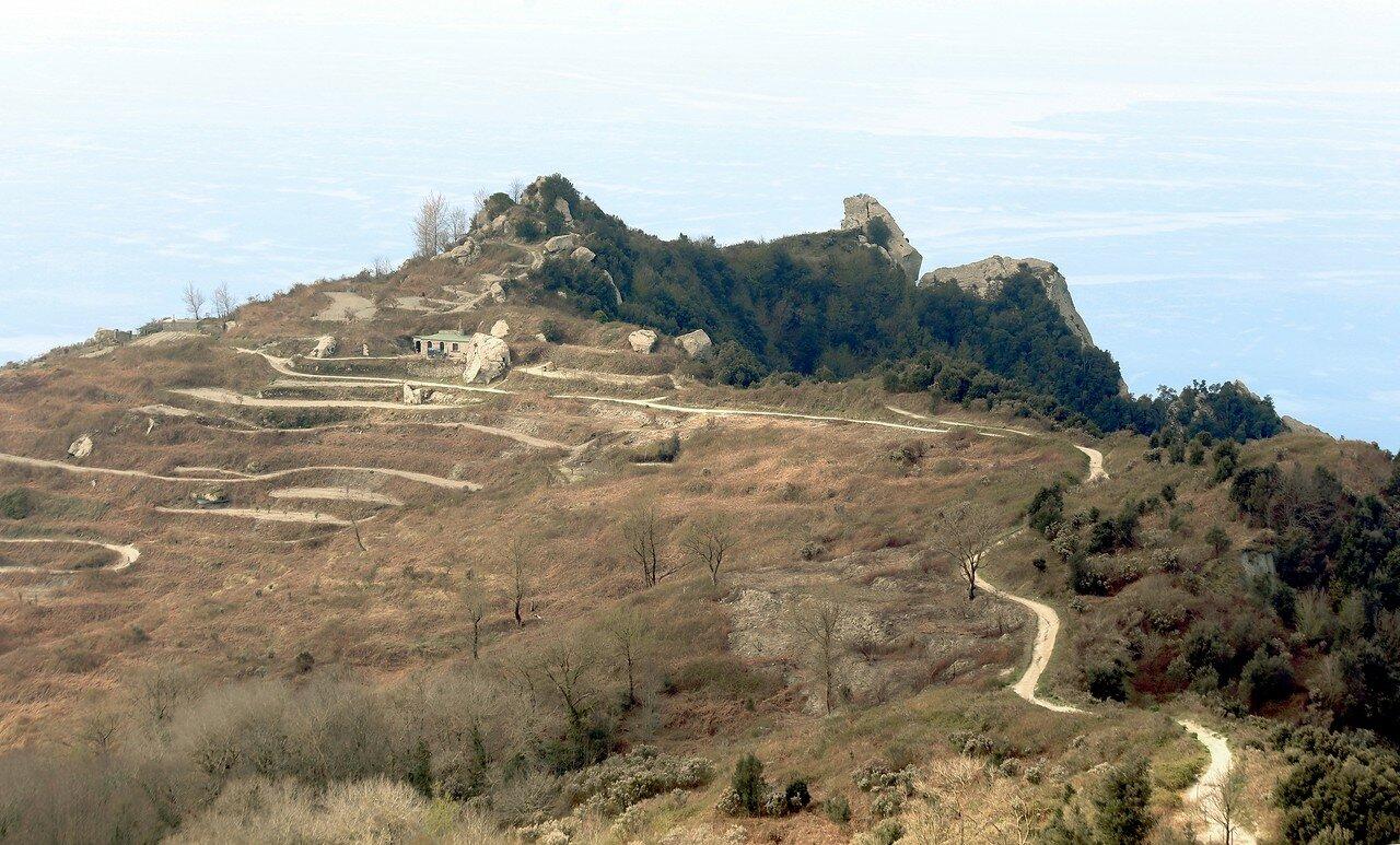 Искья. Вершина Пьетро дель'Аква