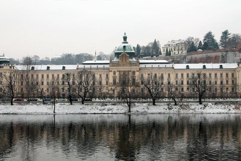 На набережной в Праге