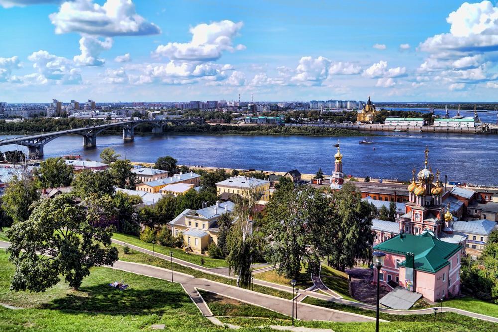 В Нижнем Новгороде одним из самых посещаемых мест считается многоуровневая смотровая площадка на наб