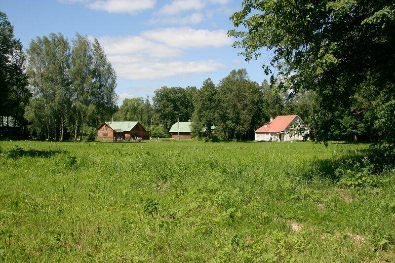 Абрамцево, Дача Поленова и административные корпуса